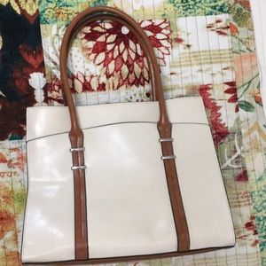 Gorgeous beige and tan bag!!